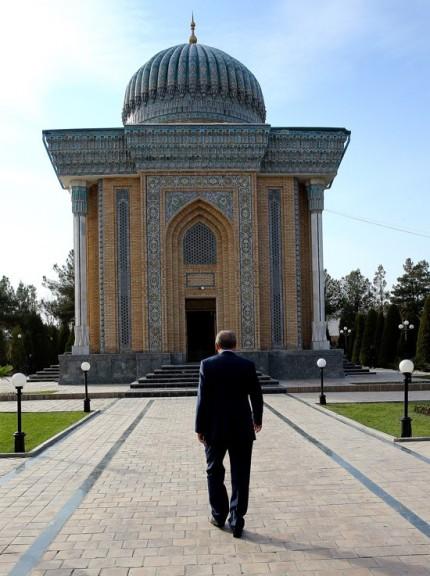 yd-20161118-ozbekistan-31-turbe-maturidi